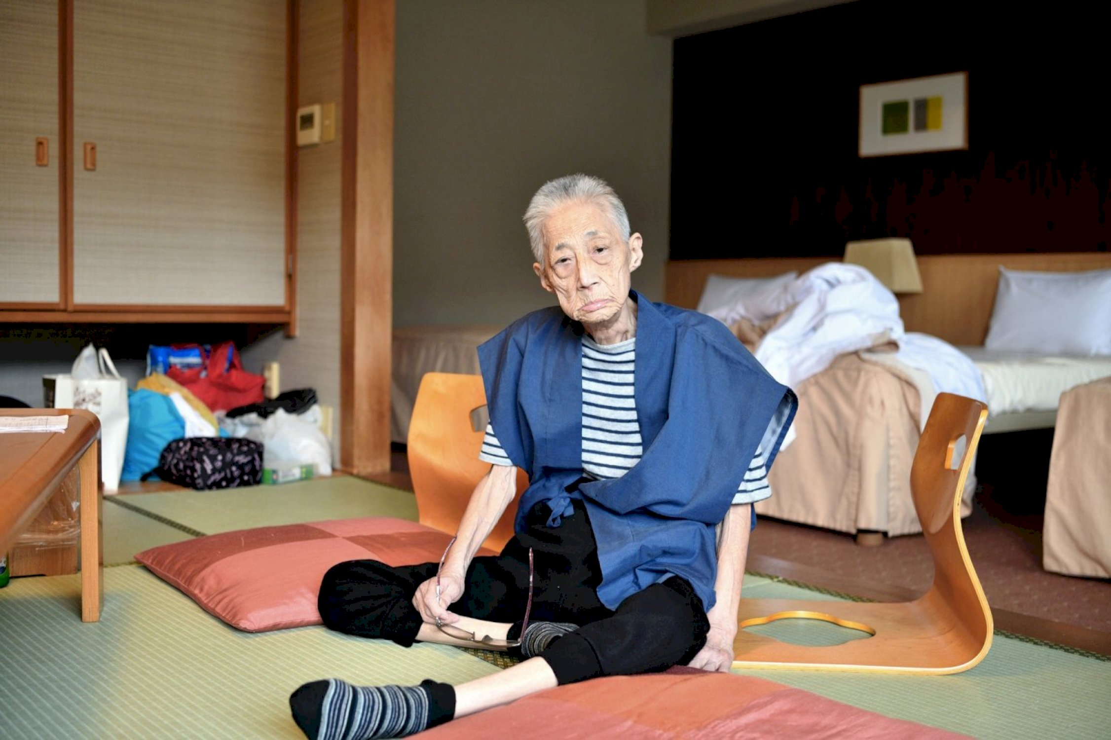 My Mother in a Hotel in Hakone